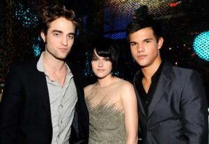 Robert, Kristen e Taylor ai VMAs 09